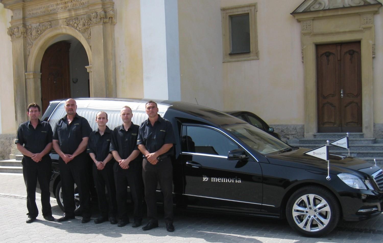 MEMORIA pohrebná služba auto
